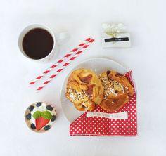 Servietter Hipp hipp hurra rød   Kremmerhuset  #Kremmerhuset #Interior #Inspiration Waffles, Breakfast, Food, Morning Coffee, Waffle, Meals, Yemek, Eten
