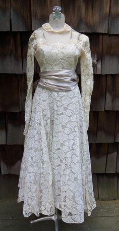 Loving You 1950s Cream Lace Wedding Dress w/ by LittleBirdVtg http://www.etsy.com/listing/158684729/loving-you-1950s-cream-lace-wedding
