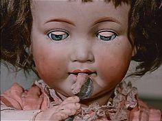 "Jan Svankmajer ""Jabberwocky"" - Amazing doll eats doll.."