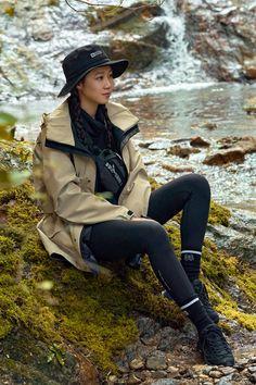 Gong Hyo Jin, Riding Helmets, Vest, Jackets, Beauty, Fashion, Down Jackets, Moda, Fashion Styles