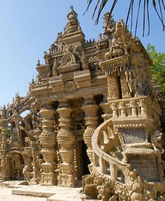 France - Le palais idéal du facteur Cheval ,drome
