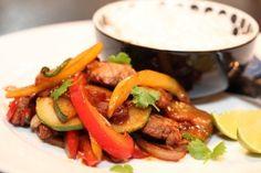 Wok med svin, paprika, squash og ingefærsaus - TRINEs MATBLOGG 30 Minute Meals, Kung Pao Chicken, Wok, Squash, Nom Nom, Beef, Ethnic Recipes, Buttercup Squash, Gourd