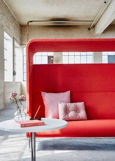 University Interior Design, Bank Interior Design, Sofa Design, Lobby Interior, Cafe Interior, Red Interiors, Office Interiors, Decoration, Love Seat