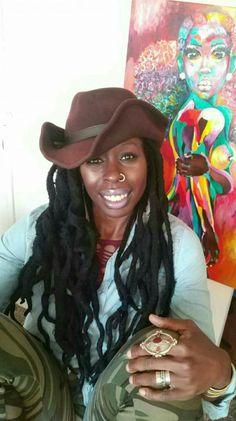 Beautiful black women with thick locs. Beauty Blender Video, Beauty Tips For Teens, Low Calorie Diet, Diet Food List, Feminine Energy, Easy Healthy Breakfast, Beautiful Black Women, Girl Humor, Locs
