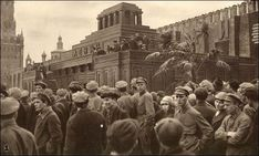 Moscow, the 1920s Old Pictures, Old Photos, Ukraine, Moscow Kremlin, L Death, Wooden Buildings, Vintage Photographs, New York Skyline, History