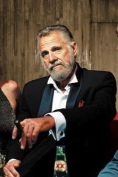 Cuba imports their cigars from him. Jonathan Goldsmith - The Most Interesting Man in the World - for Dos Equis beers Good Cigars, Cigars And Whiskey, Whisky, Famous Cigars, Jonathan Goldsmith, Cigar Art, Premium Cigars, Cigar Smoking, Pipe Smoking