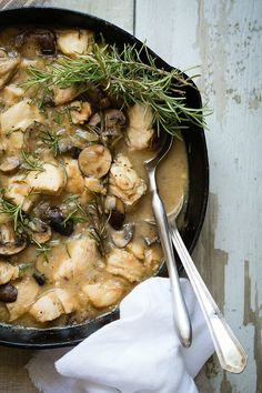 A fantastic and simple chicken and mushroom skillet meal. Cooked in a white wine sauce this is awesome served over some brown rice.