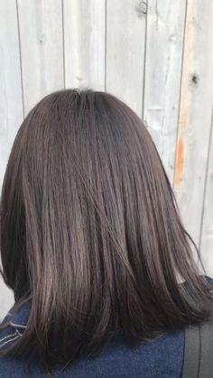 9トーンの髪色です Dark Brunette Hair, Half Up Half Down Hair, Easy Hairstyles, Stylists, Hair Color, Long Hair Styles, Beauty, Hair, Hair Makeup