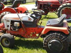 Simplicity Baron Tractor Lawn Tractors, Small Tractors, Tractor Mower, Old Tractors, Lawn Mower, Garden Toys, Lawn And Garden, Simplicity Tractors, Tractor Pulling