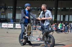 Bike Trailer, Cargo Bike, Cool Bikes, Quad, Baby Strollers, Cycling, Bicycle, Motorcycle, Friends