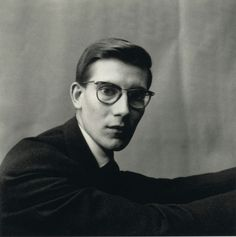 Find the latest shows, biography, and artworks for sale by Irving Penn. Considered one of the most influential photographers of the century, Irving Penn… Dora Maar, Isabella Rossellini, Rudolf Nureyev, Alberto Giacometti, Jasper Johns, Christian Dior, White Photography, Portrait Photography, Fashion Photography