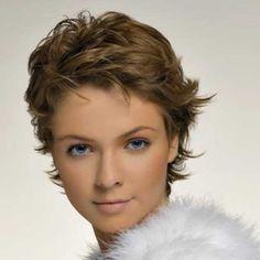 Cheveux courts : coupe classique