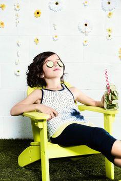Jolie Daisy 2 @ 12 ans / yrs  Sienna porte / wears :  Tunique Jolie Daisy / Jolie Daisy tunic G78 Leggings G004  COLLECTION PRINTEMPS / ÉTÉ 2015  2015 SPRING / SUMMER COLLECTION  http://deuxpardeux.com/lookbook/#/look/jolie-daisy/