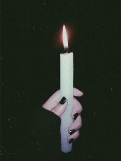 La luz es hija de la oscuridad...                                                                                                                                                                                 Más
