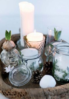 Hygge i rækkehuset: Jul i god tid - Boligliv - ALT. Natural Christmas, Winter Christmas, Christmas Home, Christmas Crafts, Christmas Tables, Natal Natural, Navidad Natural, Decoration Christmas, Xmas Decorations