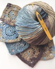 """Crochet Granny Square """"Rose"""" s Crochet Blocks, Granny Square Crochet Pattern, Crochet Squares, Crochet Granny, Crochet Motif, Crochet Lace, Crochet Stitches, Free Crochet, Granny Squares"""