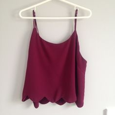 maroon scalloped hem cropped tank cute cropped maroon tank top from pacsun with a scalloped hem at the bottom. excellent condition. no trades. PacSun Tops Tank Tops