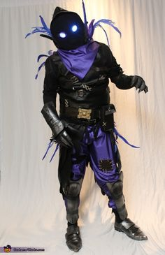 This is My attempt at making the Raven Fortnite Costume for my son this year. It is all handmade (homemade) by me. put about 60 hour into it so I hope you all can be inspired and enjoy!My son is in the costume and he. Scary Kids Halloween Costumes, Teen Boy Costumes, Halloween Raven, Couples Costumes Adult, Halloween Costumes For Teens, Halloween Costume Contest, Costume Ideas, Raven Costume, Hunter Costume