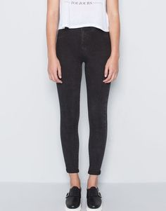 :HIGH-WAISTED JEGGINGS