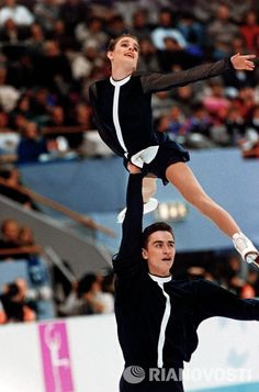 A year later the couple had a daughter, Daria. At this time, they played a lot at foreign tournaments, took part in a large number of commercial projects. In 1994, Gordeeva and Grinkov again win gold at the Olympic Games. Exactly one year after the victory, on November 20, 1995, Sergei Grinkov, during a training in Lake Placid, received an extensive heart attack and died right on the ice, during training.