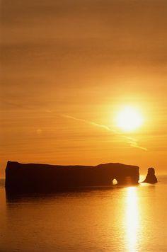 Percé Rock at sunrise, Gaspé Peninsula, Quebec, Canada