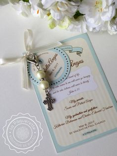Baptism and First Communion favors - Favor card with religious key-ring First Communion Favors, Baptism Favors, First Holy Communion, Baptism Cards, Baptism Ideas, Baptism Party Decorations, Wedding Quotes, Pearl Color, Corporate Gifts