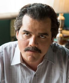 You won't believe what Narcos Pablo Escobar looks like in real life