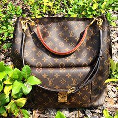 Perfection. #LouisVuitton Metis Hobo @MoshPoshFinds #MPLifestyle @MoshPosh #Designer #Fashion
