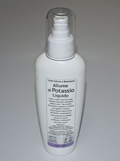 Allume di potassio  deodorante naturale, antibatterico e anallergico,  Privo di parabeni e alluminio. Ha la proprietà di normalizzare la traspirazione e di rinfrescare la pelle. E' inoltre un antibatterico naturale in grado di eliminare l'odore, lasciando traspirare la pelle senza ostruire i pori.  I tradizionali deodoranti in commercio coprono l'odore della pelle ed impediscono la fisiologica sudorazione. L'allume di potassio agisce invece sulla causa, inibendo la proliferazione dei batteri