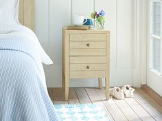 Big up your bedroom with our beautiful bandsawn oak bedside table. All you need now is a good read. Wooden Bedside Table, Carpentry Projects, Comfy Sofa, Dresser As Nightstand, Sofas, Bedroom Decor, New Homes, Beautiful, Big