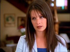 Holly Marie Combs, Piper Charmed, Charmed Sisters, Charmed Tv Show, Cosplay Hair, Extreme Makeover, Beautiful Goddess, Alyssa Milano, Celebrity Look