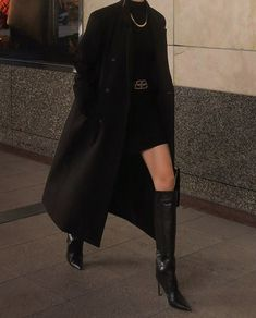 Edgy Outfits, Teen Fashion Outfits, Mode Outfits, Classy Outfits, Black Outfits, Dr Mundo, Suit Fashion, Girl Fashion, Fashion Pants