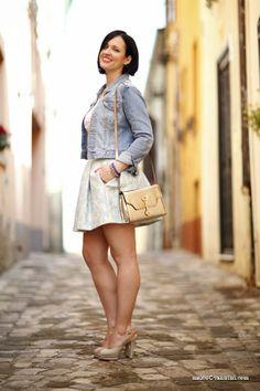 come abbinare una sottoveste vintage per un outfit da giorno