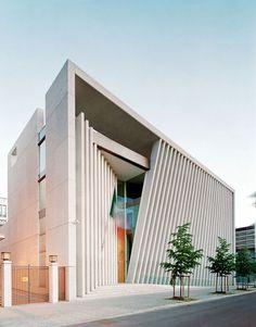 The Incredible Modern Architectures Around The World https://www.futuristarchitecture.com/20430-modern-architecture.html