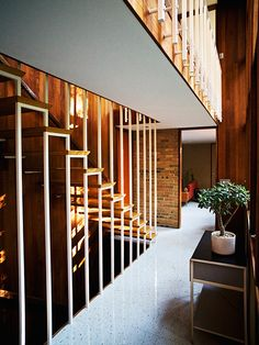 interior of Kirkpatrick House in Kalamazoo, Michigan / designed by George Nelson (photo by Paul Barbera)