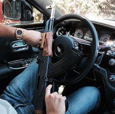 Ak 47, Military Guns, Military Women, Favelas Brazil, Special Forces Gear, Fille Gangsta, Lowrider Trucks, Iphone Wallpaper Video, Hidden Gun