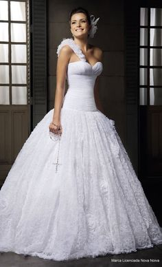 oh i love this one shoulder wedding dress