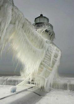De schoonheid van bevroren vuurtorens