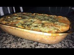 Aprenda a fazer uma deliciosa Batata Cremosa ao Forno. Ingredientes: - 1 KG e meio de batatas; - 1 caixa de creme de leite; - 1 copo de requeijão; - 1 sachê ...