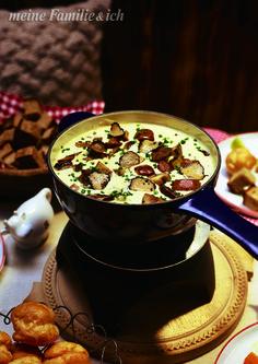 """""""Fondue-Variante mit Pilzen & Trüffelkäse""""  burdafood.net/Oliver Brachat http://www.daskochrezept.de/meine-familie-und-ich"""