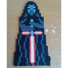 Kylo Ren - Star Wars: The Force Awakens perler beads by thechattycrafter