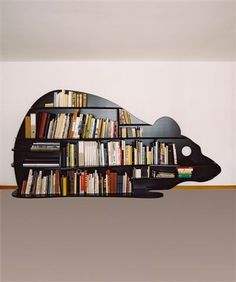 "Rat de bibliothèque, Literally a ""rat of the library""? In this case, a great idea for a kids bedroom boolshelf"