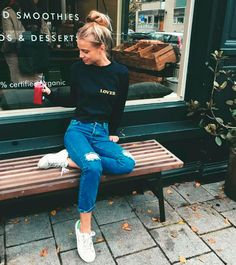Latest Fashion Trends - This casual outfit is perfect for spring break or the summer. The Best of casual outfits in - Daily Fashion Outfits Street Style Outfits, Fall Outfits, Summer Outfits, Casual Outfits, Tomboy Outfits, Fashion Outfits, Poses, Look Fashion, Winter Fashion