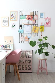 Twelve Stylish Indoor Plant Ideas for City Living – Apartment Number 4 – Office Design 2020 Workspace Inspiration, Decoration Inspiration, Decor Ideas, Home Office Design, Home Office Decor, Home Decor, Art Decor, Office Ideas, Office Inspo