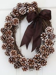 Winter wreath that isn't Christmas-y Like to oval and like the brown bow with frosted tip pine cones. Look for pine cones. Dishfunctional Designs: Decorating & Crafting With Pine Cones Pine Cone Crafts, Wreath Crafts, Diy Wreath, Diy Crafts, Wreath Ideas, Grapevine Wreath, Door Wreaths, Pine Cone Wreath, Acorn Wreath