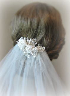 Light Ivory Fascinator, Bridal Fascinator with Flowers and Lace, Crystals - NOUVELLE ROMANCE