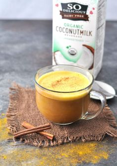 All the healthy benefits of immune boosting, anti-inflammatory turmeric in a rich and delicious dairy free, fat burning Bulletproof Keto Golden Milk Latte Golden Tumeric Milk, Golden Milk Latte, Golden Tea, Turmeric Tea Bags, Tumeric Latte, Coconut Milk Tea, Coconut Milk Smoothie, Coconut Flour, Best Matcha Tea