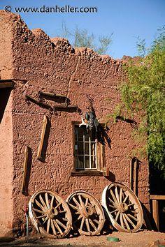 wagon-wheel-wall.jpg