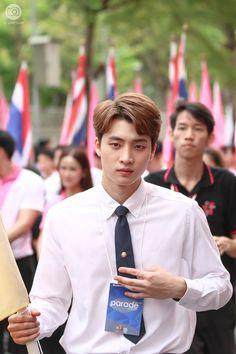#m34nismind #MeanPhiravich Drama, Asian Boys, Cute Boys, Ulzzang, Tv Series, Acting, Thailand, Korea, Wattpad