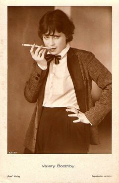 Valerie Boothby (1906-1982) was a popular star of the Weimar cinema in the late 1920's and early 1930's. Love the bow tie, slacks and jacket.